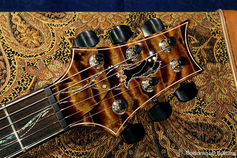 PRS_PS7308_Singlecut_DB_headstock2.jpg